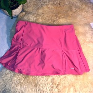 Pink women's tennis short/skirt Large Nike skort